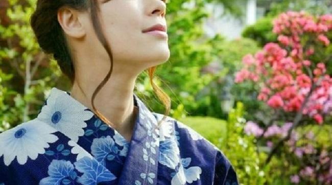 外国人から日本人女子がモテる理由はアダルトビデオが原因!?